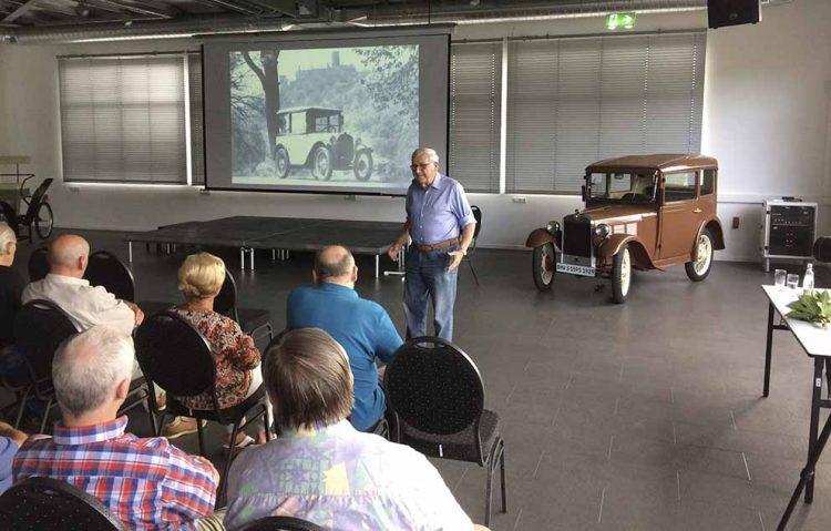 Horst Ihling stellte sein neustes Buch im Automobilmuseum vor | Bildquelle: © AWE-Stiftung