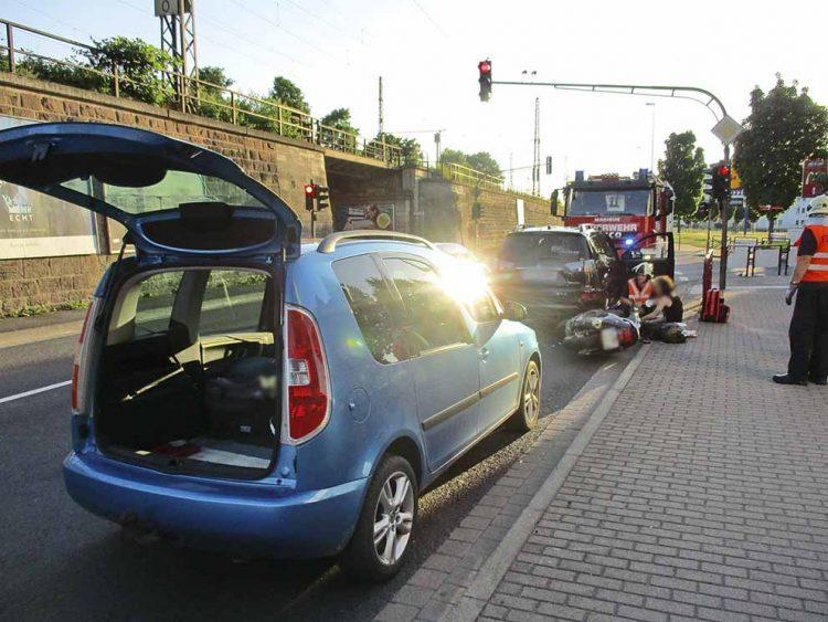 Eisenacher Berufsfeuerwehr hilft nach Unfall an der Rennbahn   Bildquelle: © Stadt Eisenach