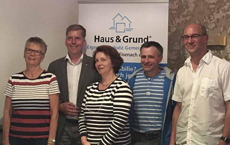 von links nach rechst: Frau Rudloff, Herr Herrmann, Frau Lilla, Herr Schellin, Herr Hugdol | Bildquelle: © Haus & Grund Eisenach und Umgebung