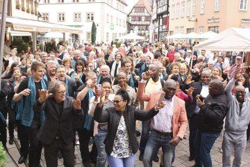 """Joy of Life Schmalkalden Luther kommt!   Bildquelle: ©  Heidi Becker / Chor """"Joy of Life"""" Luth. Pfarrkirche St. Marien Marburg"""
