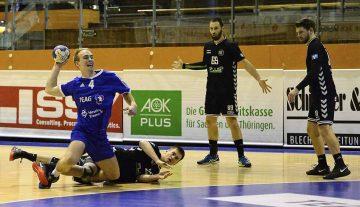 Hart bedrängt setzt sich Eisenachs Kreisspieler Pascal Küstner durch | Bildquelle: © Frank Arnold • sportfotoseisenach / ThSV Eisenach