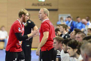 Schwere Zeiten für Manager Karsten Wöhler (re.) und Trainer Christoph Jauernik. | Bildquelle: © Frank Arnold • sportfotoseisenach / ThSV Eisenach