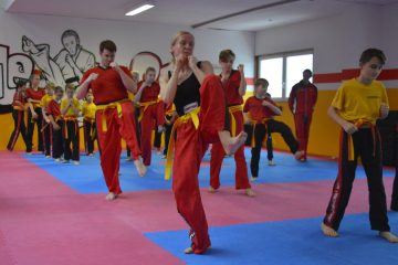 Orangegurtprüfung, im Vordergrund Yvonne Haase aus Viernau | Bildquelle: © Kampfsportschule Berk