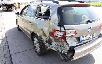 Hinten links beschädigter Unfallverursacher | Bildquelle: © Thüringer Polizei Autobahnpolizeiinspektion