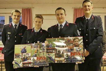 (v.l.): Lucas Rockosch, Jugendfeuerwehrwart; Adrian Warlich, Moritz Gröber; Daniel Hörschelmann | Bildquelle: © Stadt Eisenach