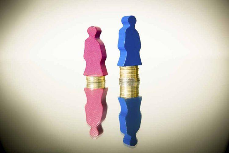 Ein Job, zwei Löhne: Noch immer ist die Bezahlung zwischen Männern und Frauen unterschiedlich hoch. Darauf weist die Gewerkschaft NGG zum Internationalen Frauentag hin – und fordert mehr Anstrengungen für die Gleichberechtigung im Job. | Bildquelle: © Tobias Seifert / NGG