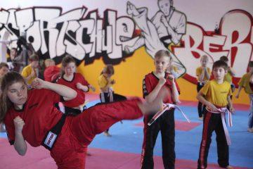Gelbgurtprüfung - ganz links Enya Schönheit | Bildquelle: © Kampfsportschule Berk