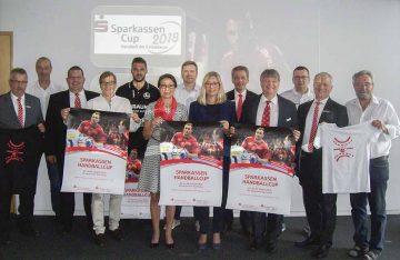 Das Team der Vertreter der Sparkassen, Veranstalter, örtlichen Ausrichter   Bildquelle: © Th. Levknecht / ThSV Eisenach