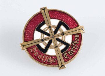 Abzeichen der Deutschen Christen | Bildquelle: © Stiftung Lutherhaus Eisenach