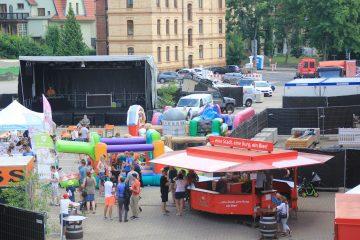 | Bildquelle: Das Familienfest in der Eisenacher Brauerei mit Hüpfburgen und Spielstationen.