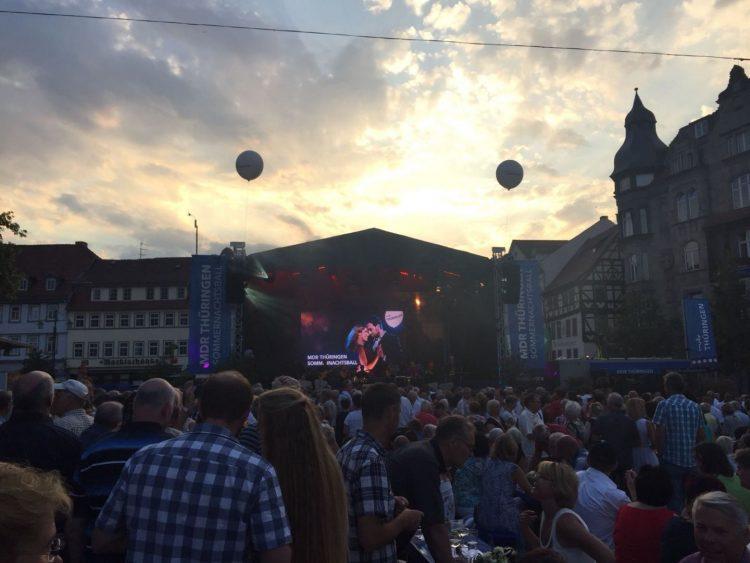   Bildquelle: Schätzungsweise 3000 Zuschauer kamen zum Sommernachtsball nach Eisenach.