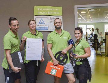 Mitarbeiter mit TÜV-Zertifikat | Bildquelle: © Nina Ferg (KTU) / SOLEWELT Bad Salzungen