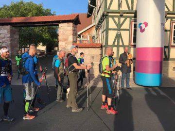 Start der Wanderweltmeisterschaftsteilnehmer durch den Thüringer Wirtschaftsminister Wolfgang Tiefensee | Bildquelle: ©  PPW e.V.