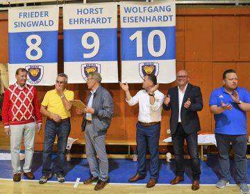 Stolz auf seine Tradition: Der ThSV Eisenach nahm seine drei noch lebenden Helden von 1958 in die Hall of Fame auf   Bildquelle: © Frank Arnold • sportfotoseisenach / ThSV Eisenach