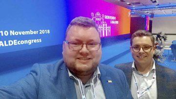 FDP-Landtagskandidat Sebastian Bethge mit dem FDP-Kreisvorsitzenden Robert-Martin Montag beim ALDE-Kongress in Madrid. | Bildquelle: © Sebastian Bethge / FDP Wartburgkreis-Eisenach