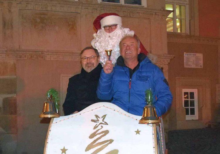 v.l. Dr. Uwe Möller (Bürgermeister), Henry Arzig (Veranstalter Weihnachtsmarkt) | Bildquelle: © Stadt Eisenach