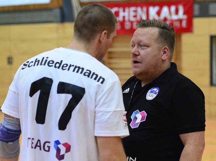 Manager Rene Witte (re.) mit Kapitän Marcel Schliedermann | Bildquelle: © Frank Arnold • sportfotoseisenach / ThSV Eisenach