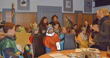 Die Sternsinger besuchten das Eisenacher Rathaus