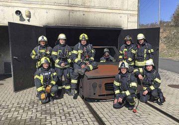 Berufsfeuerwehr trainierte Löscheinsätze in Brandsimulationsanlage