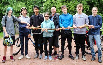 Eisenacher Schüler brachten Staffelstäbe mit dem Rad nach Erfurt