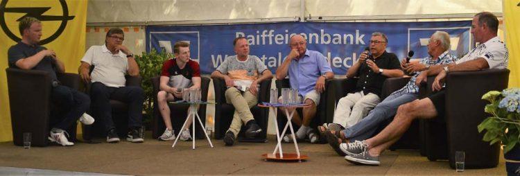 Illustre Runde (v.r.); Uwe Bein, Gerhard Wagner, Rainer Osmann, Bernhard Germeshausen, Stefan Guttermann (Moderator), Nils Dunkel, Hans Meyer | Bildquelle: © Frank Arnold • sportfotoseisenach