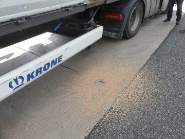 Bildquelle: © Polizeipräsidium Osthessen  Verlorene Ladung auf dem Parkplatz nach wenigen Minuten.