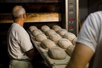 Bildquelle: © NGG Wer in der Backstube arbeitet, macht einen harten Job. Zu viele Bäckereien speisen ihre Mitarbeiter trotzdem mit Niedriglöhnen ab, kritisiert die Gewerkschaft NGG.