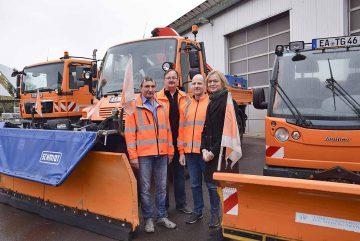 Bildquelle: © Stadt Eisenach v.l.: Bernd Weißenborn, Holger Rudolph, Patrick Ebhardt (alle Amt für Tiefbau und Grünflächen) und Oberbürgermeisterin Katja Wolf.