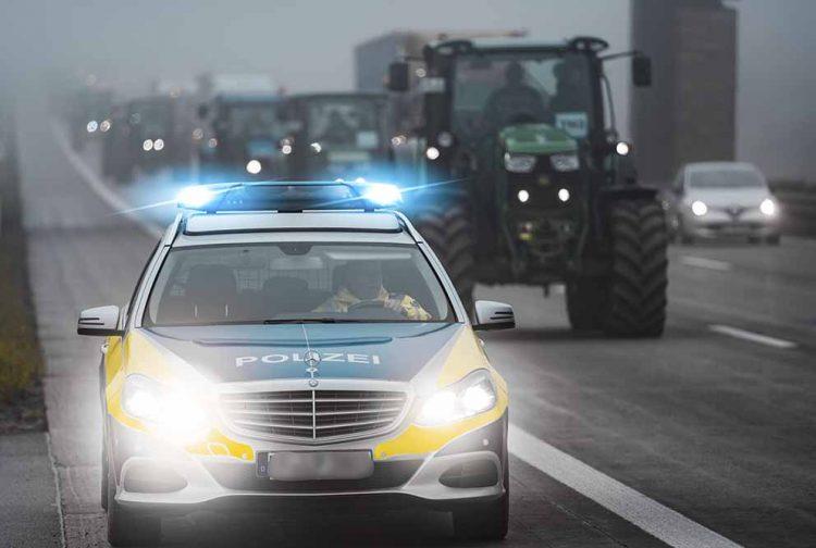 Bildquelle: © Polizei Thüringen Traktorsternfahrt 2019