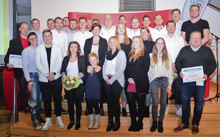 """Bildquelle: © Frank Arnold • sportfotoseisenach / ThSV Eisenach Die in der Rubrik """"Mannschaften"""" ausgezeichneten Teams."""