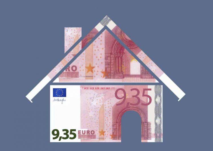"""Bildquelle: © IG BAU Häuserbauen für 9,35 Euro pro Stunde? – """"Nein"""", sagt die IG BAU. Das kommt für die Bau-Gewerkschaft nicht in Frage: """"Wer den harten Job auf dem Bau macht, hat mehr verdient als einen Niedriglohn."""" Bauindustrie und Bauhandwerk müssen sich jetzt allerdings beeilen, um genau das zu verhindern. """"Die Arbeitgeber sind am Zug, höheren Mindestlöhnen auf dem Bau zuzustimmen. Sie sollten keinen 'Lohn-Kamikaze-Kurs' wagen"""", warnt die Bau-Gewerkschaft."""