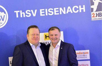Bildquelle: © Frank Arnold • sportfotoseisenach / ThSV Eisenach Manger Rene Witte (li.) und Präsident Shpetim Alaj beim Neujahrsempfang des ThSV Eisenach am Montag, zu dem über 230 Gäste begrüßt wurden.