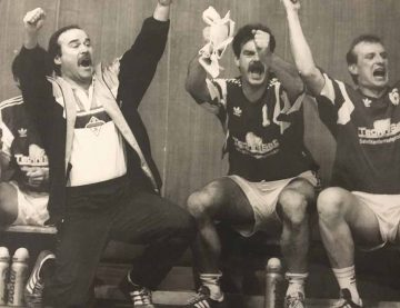 Bildquelle: © Archiv Th. Levknecht / ThSV Eisenach  Hans-Joach Ursinus 1990 als Trainer des ThSV Eisenach