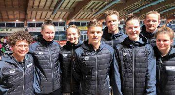 Bildquelle: © DLRG  Lena Oppermann (3. von rechts) mit der Bundestrainerin Elena Prelle (links) und der DLRG Nationalmannschaft in Italien.